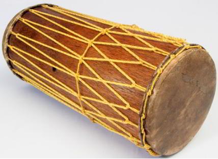 Alat musik tradisional gendang panjang
